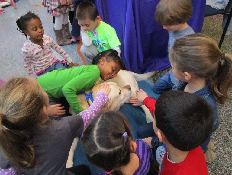 Carolina Dog Training Therapy Dog Training - Pet Partners - kids with therapeutic canine